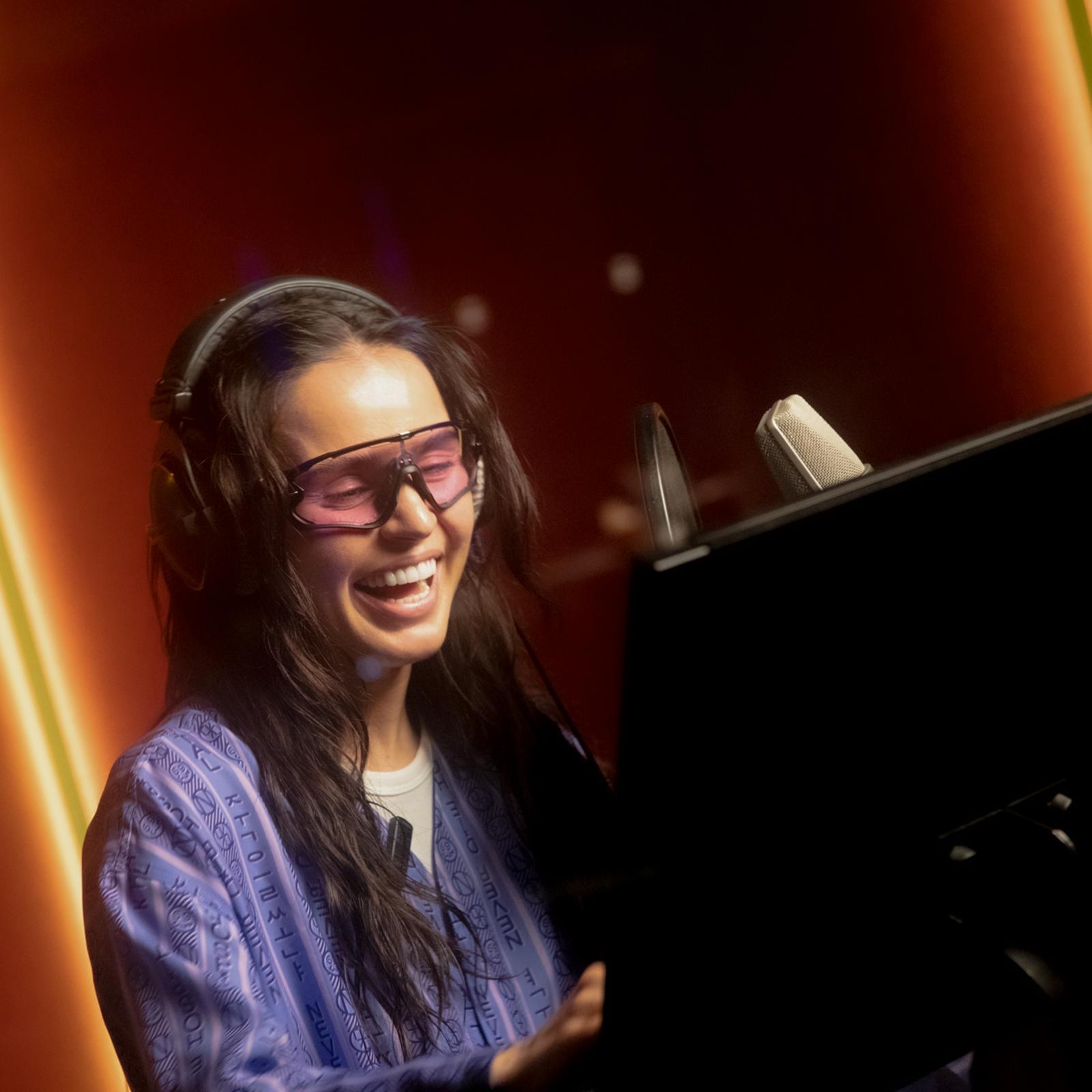 «Каждому по факту рядом нужен человек»: певица Zivert стала новым голосом Яндекс.Карт