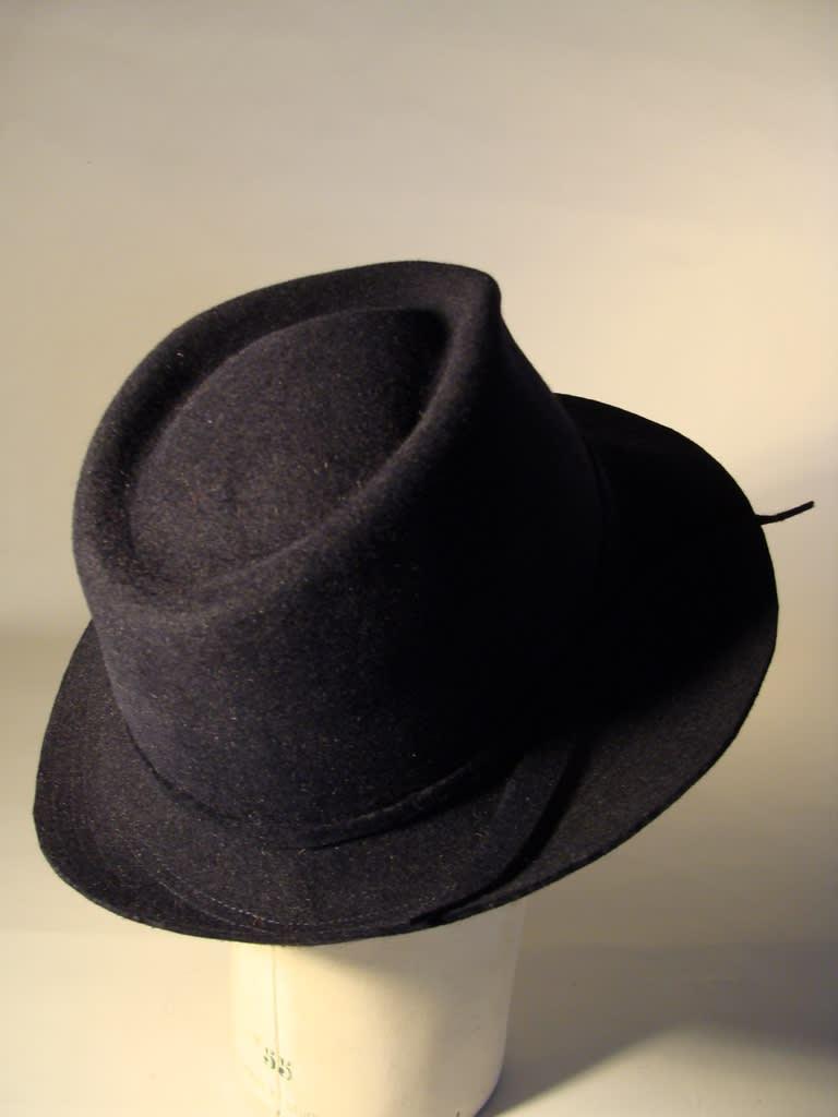 Chapeau homme taupé velours