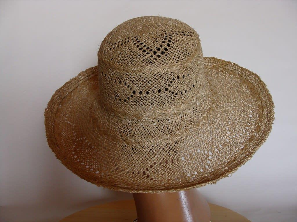 chapeau en jute naturelle