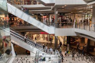 Das größte Einkaufszentrum auf dem Chodov besuchen jährlich 13 Millionen Menschen, sie wissen, warum