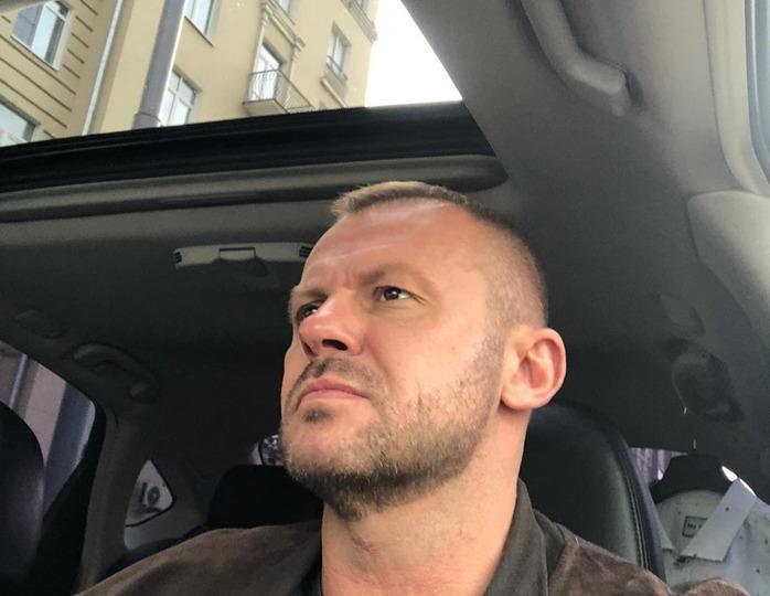 «Сейчас здесь убью!»: дочь актера Андрея Стоянова стала участницей конфликта с таксистом