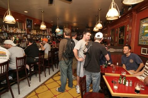Reasons to eat out in San Francisco - The Phoenix Bar & Irish Gathering House