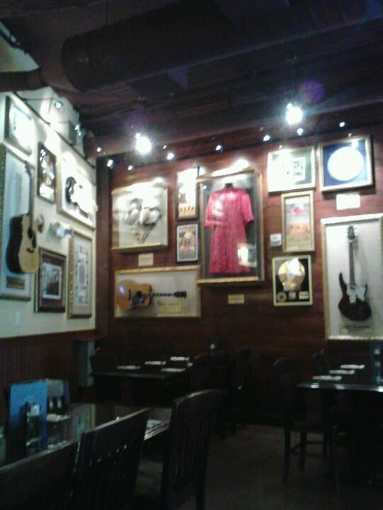 Reasons to eat out in San Francisco - Hard Rock Cafe San Francisco