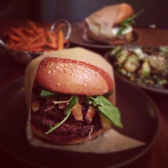 Reasons to eat out in San Francisco - Roam Artisan Burgers