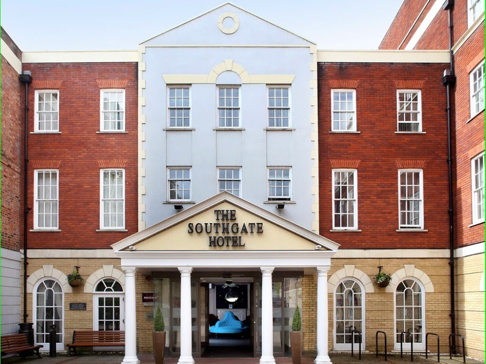 Reasons to eat out in Exeter - Mercure Exeter Southgate Hotel