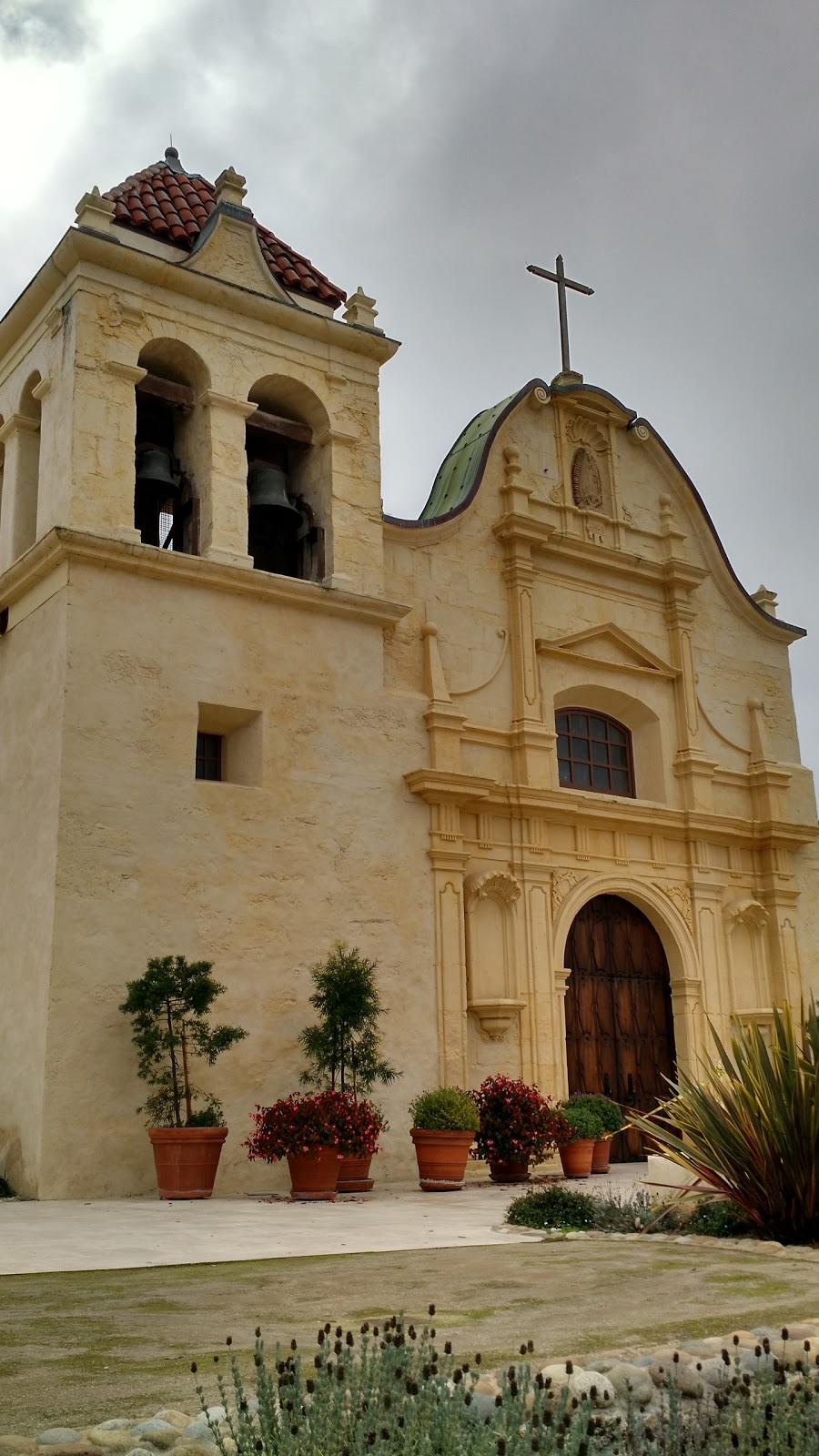 Reasons to visit Monterey - San Carlos Cathedral