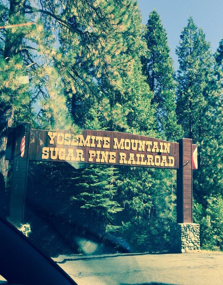 Reasons to visit Yosemite National Park - Yosemite Mountain Sugar Pine Railroad