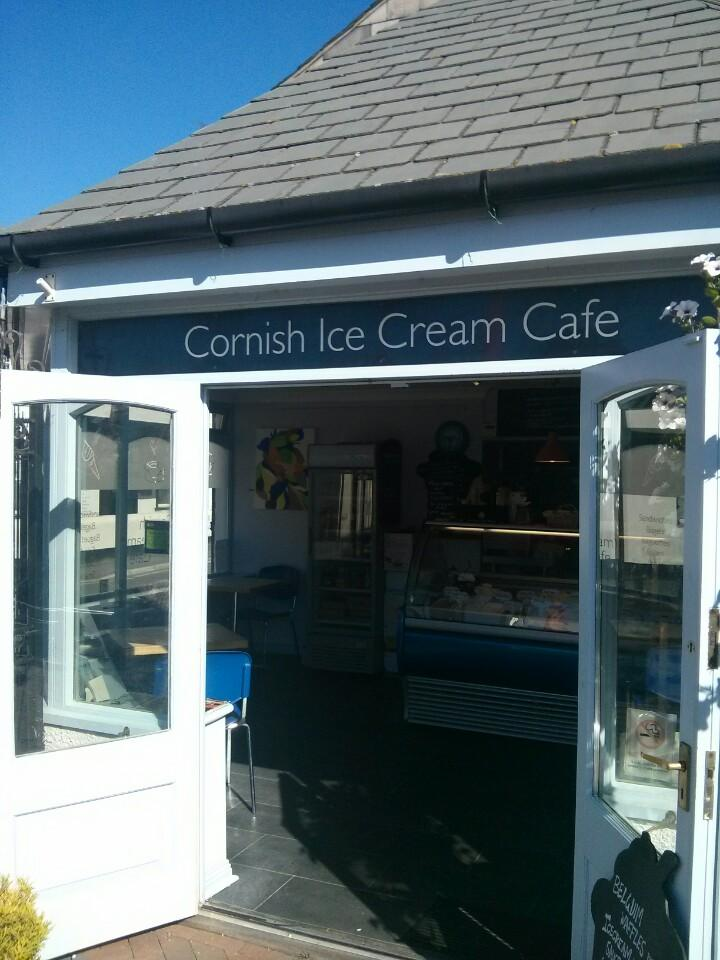 Reasons to eat out in Bude - Cornish Ice Cream Cafe