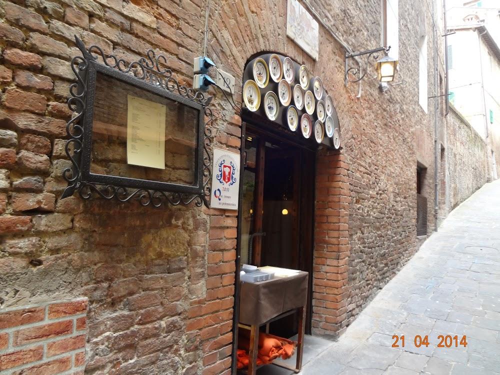 Reasons to eat out in Siena - Grotta Santa Caterina da Bagoga