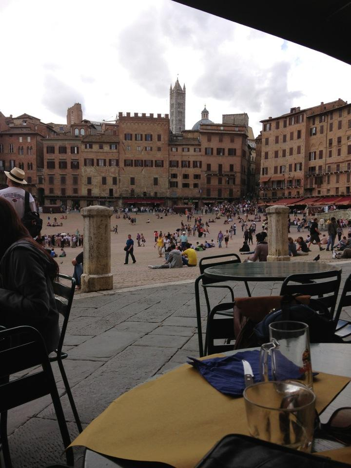 Reasons to eat out in Siena - Il Bandierino