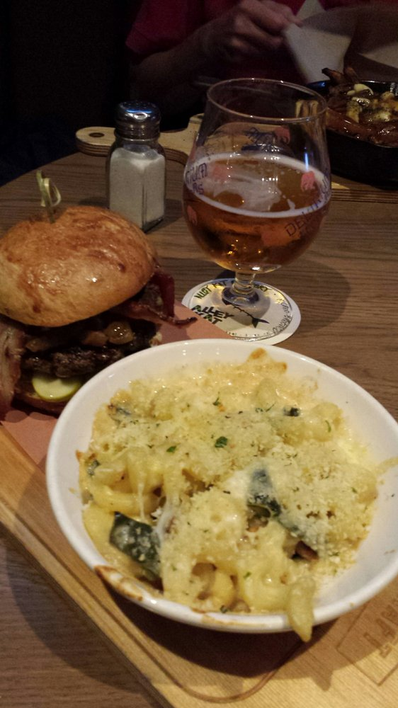 Reasons to eat out in Edmonton, Canada - CRAFT Beer Market