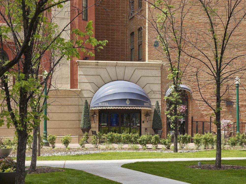 Reasons to stay in Edmonton, Canada - Union Bank Inn
