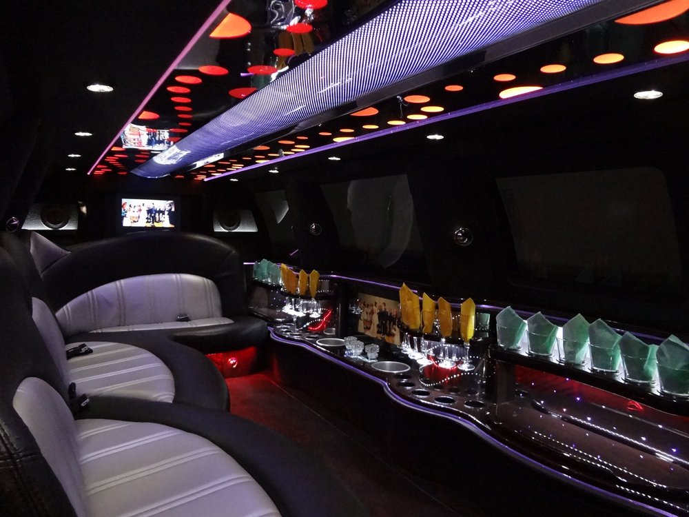 Reasons to stay in Edmonton, Canada - Legends Limousine