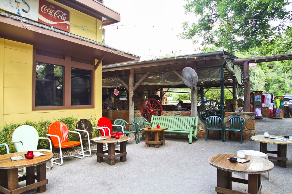 Reasons to drink in Austin - Shady Grove