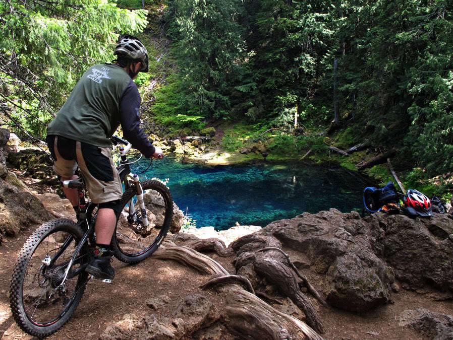 Reasons to Mountain Bike in the USA - Mckenzie River Trail – EuGene, Oregon