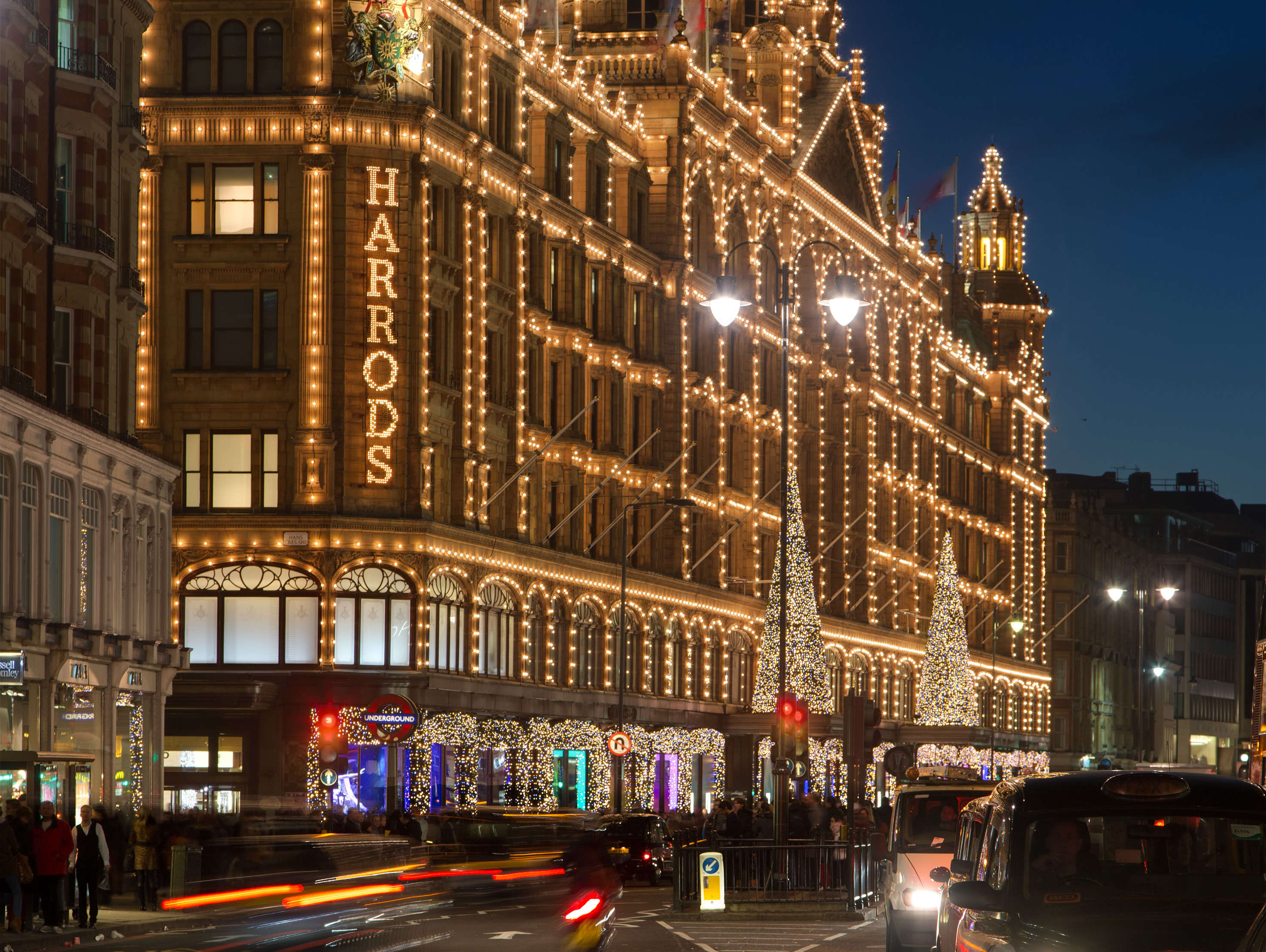 Reasons to live it large in London, England. - Harrods