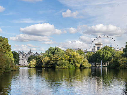 Reasons to live it large in London, England. - St James Park