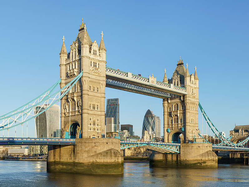 Reasons to live it large in London, England. - Tower Bridge