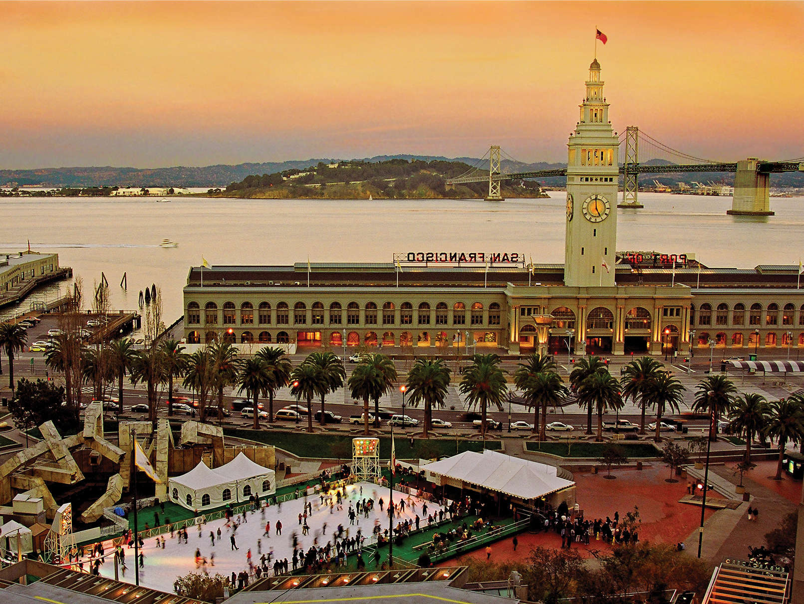Reasons to visit San Francisco - Ferry Building Farmers Market