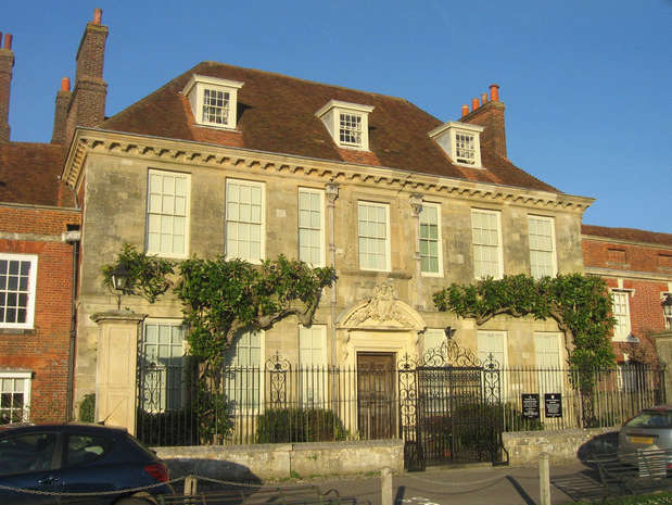 Reasons to wend your way in Wiltshire, England - Mompesson House