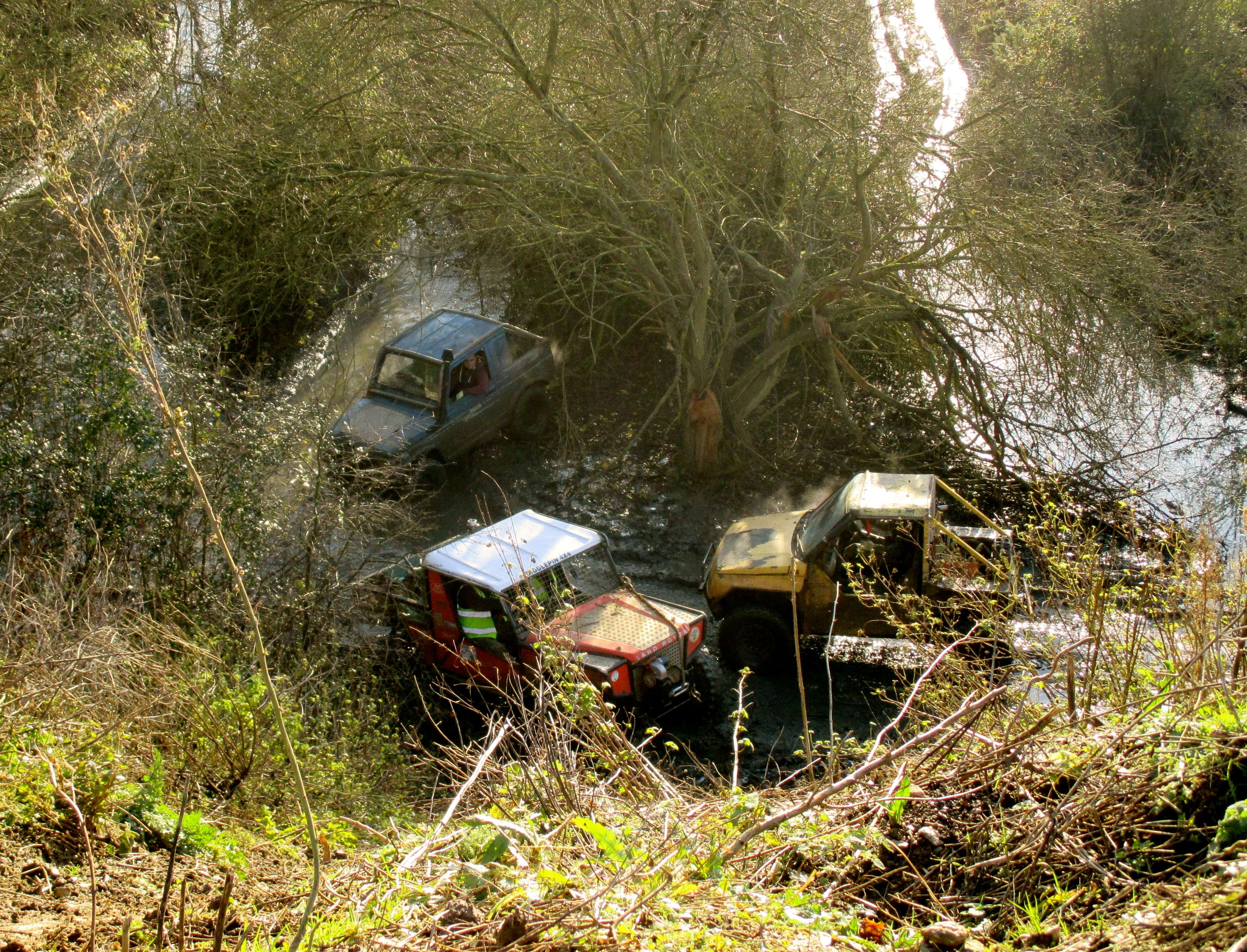Reasons to own a Land Rover - No hill too steep, no valley too deep