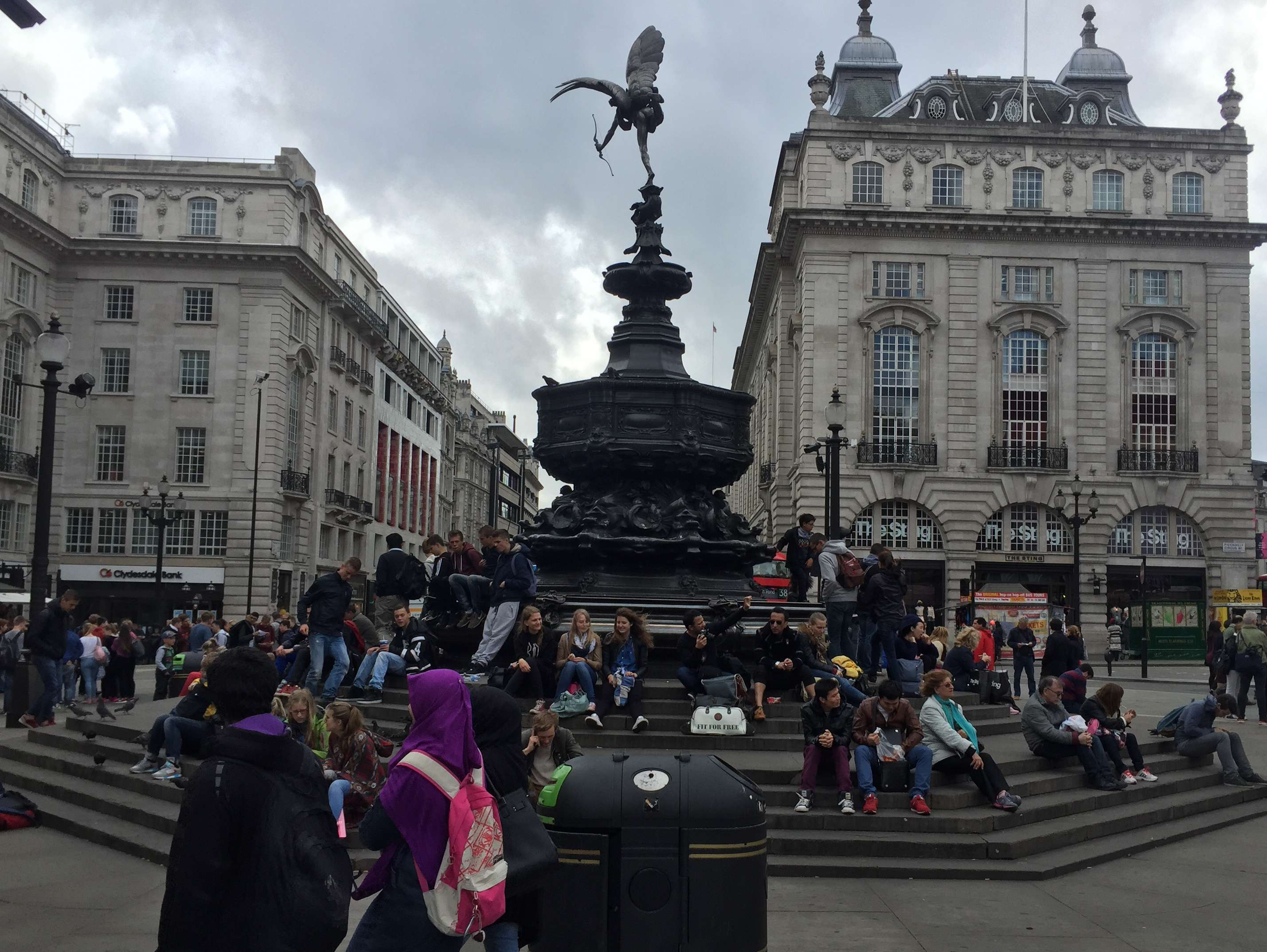 Reasons to live it large in London, England. - Piccadilly