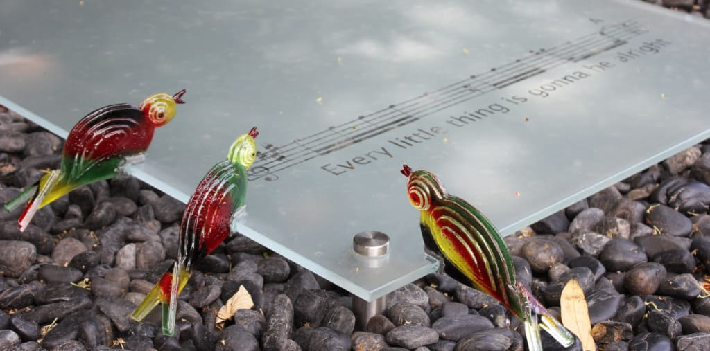 3 rasta vogeltjes en de muzieknoten - bob marley