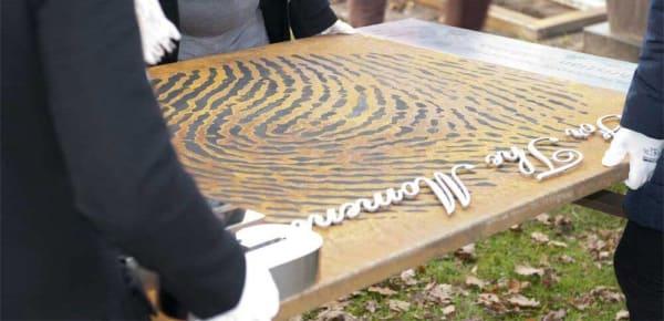 dragen grafmonument corten