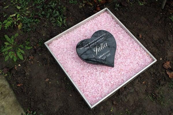 baby graf met hartje en steentjes