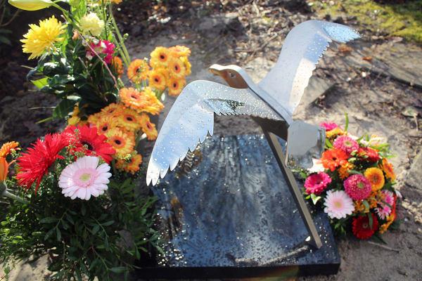 mooi gedenkteken urnengraf van RVS