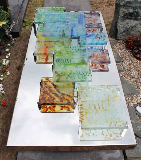 Modern – RVS Grafmonument met gekleurde blokken glas voor partner