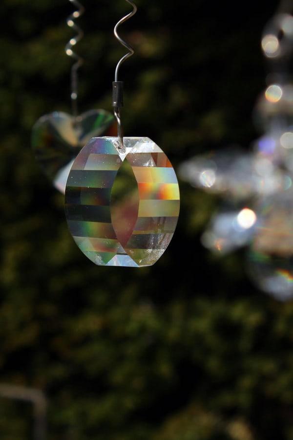swarovski kristallen op graf kind