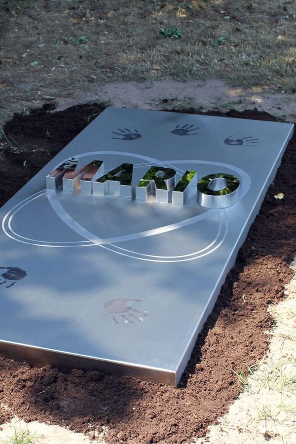 grafmonument modern rvs voor echtgenoot