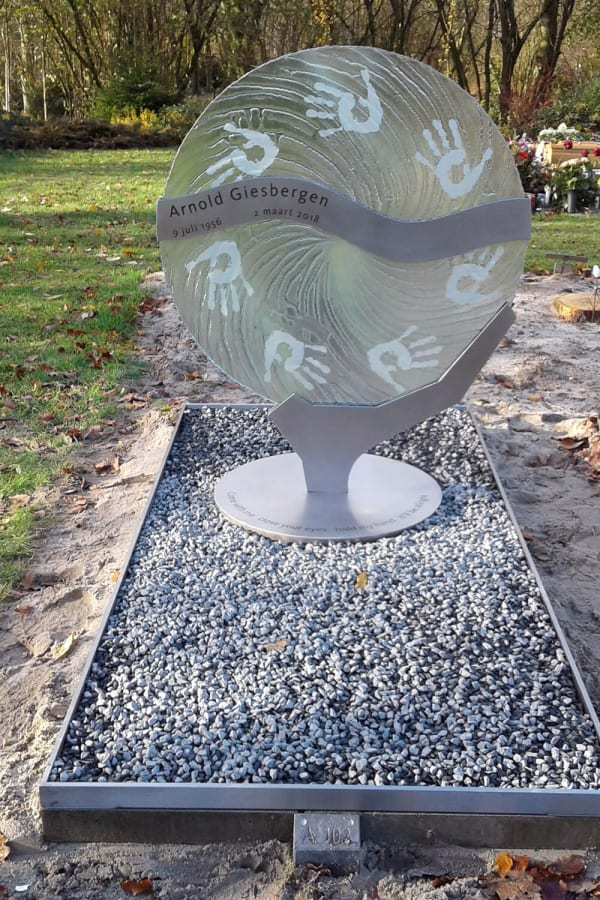moderne grafsteen glas met RVS