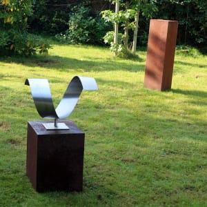 modern abstract RVS sculptuur