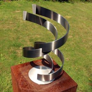 geometrisch-rvs-sculptuur voor trouwen