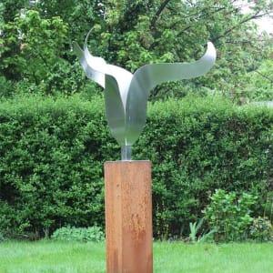 RVS tulp modern tuinbeeld