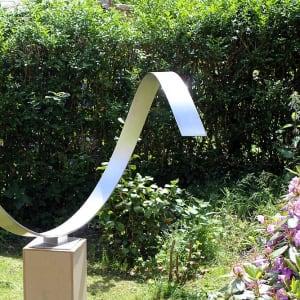 Wave Heart - abstract modern sculptuur van RVS