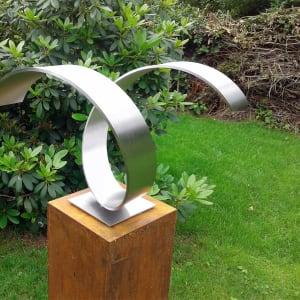 abstract RVS sculptuur