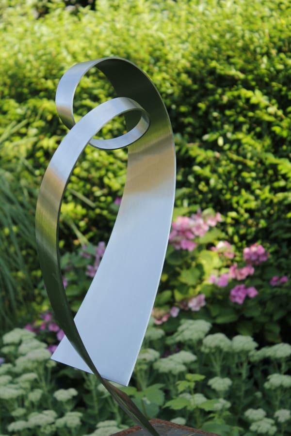 abstract RVS-sculptuur