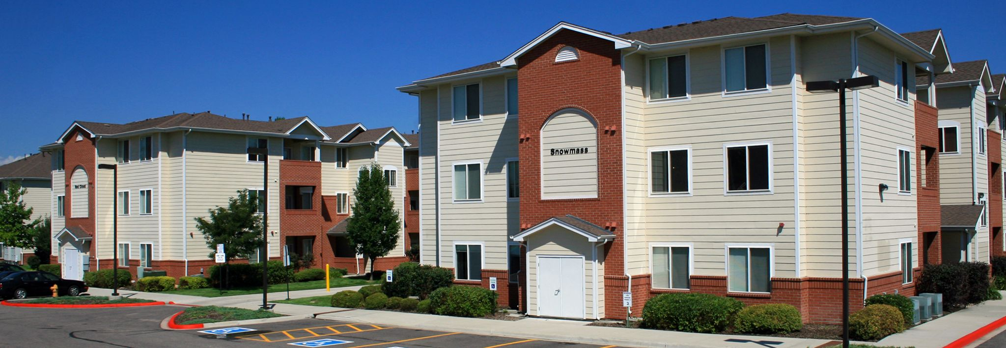 The Peaks Apartments are located near the CCU campus in Lakewood, Colorado.