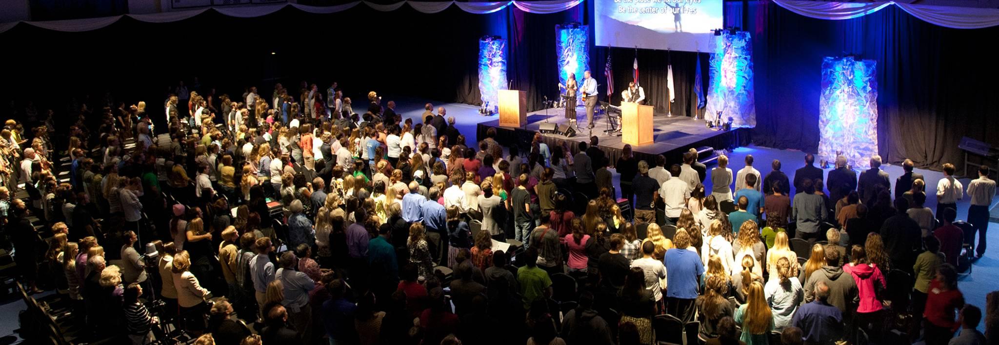 CCU Students worshiping at Symposium.