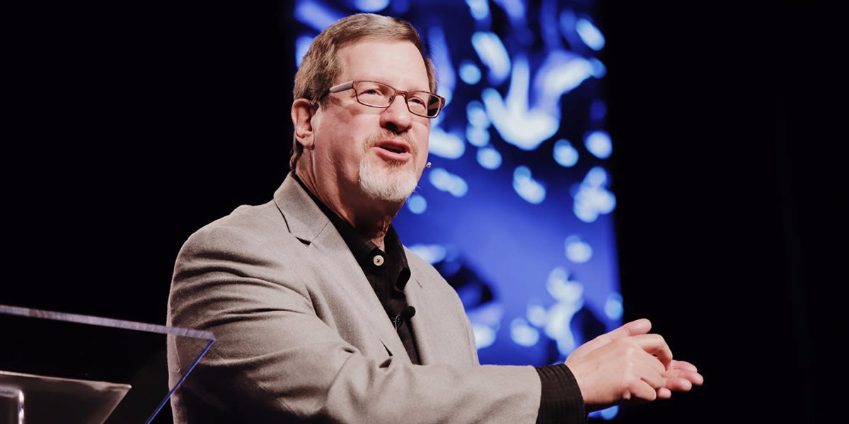 Lee Strobel speaking at a lecture