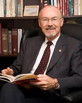 Dr. Larry R. Donnithorne headshot
