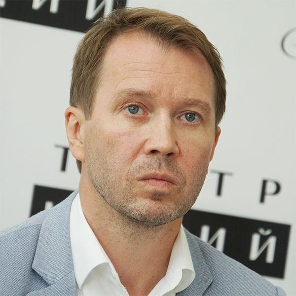 Евгений Миронов сдал 2 теста на коронавирус и самоизолировался на даче