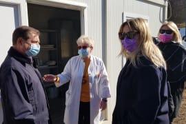 Posjetili smo bolnicu u Petrinji kojoj pomažemo humanitarnom akcijom <em> Kazalište sa srcem</em>