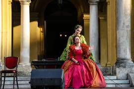 Opera u predvečerje - <em> Seviljski brijač</em>