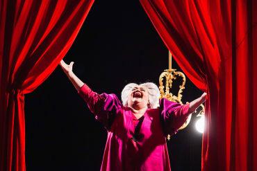 Vještica Hillary i uvrijeđeni kontrabas