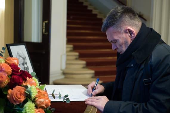 In memoriam Ivo Gregurević 1