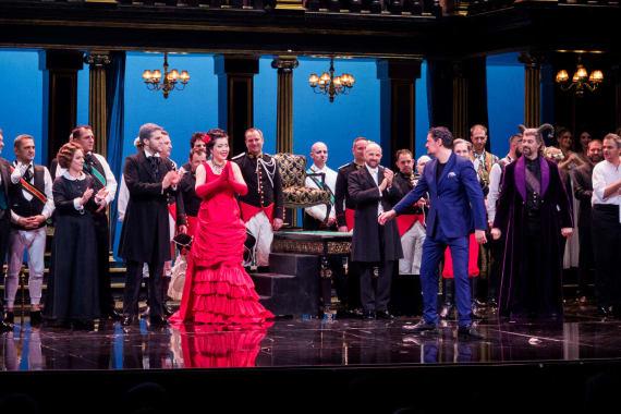 Ovacije publike nakon premijere opere <em>Žena s jezera</em> 5
